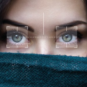 Misurazione automatica della distanza interpupillare da sito web