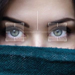 Analisi immagini per la misurazione automatica distanza interpupillare contestualmente all'acquisto di un occhiale
